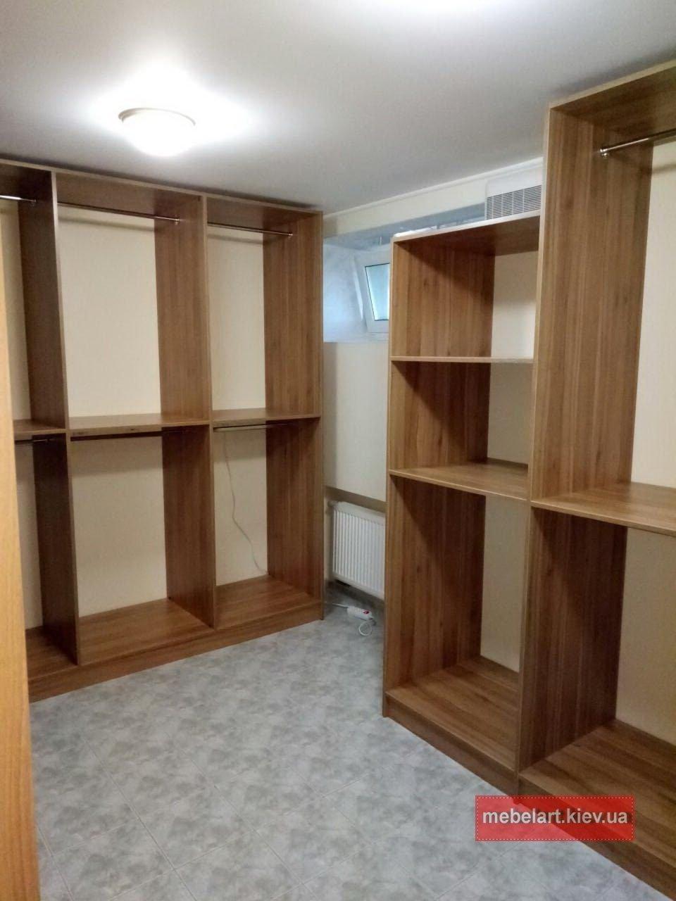 комнаты для хранения одежды и обуви