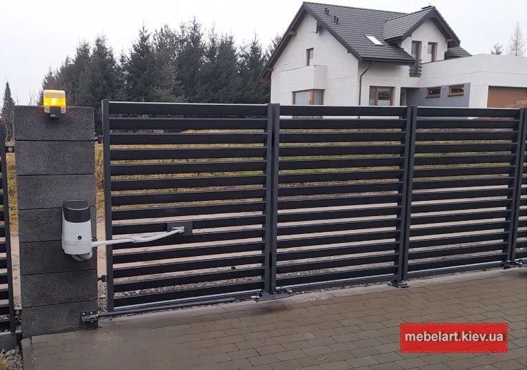 Металлические гаражные ворота заказать