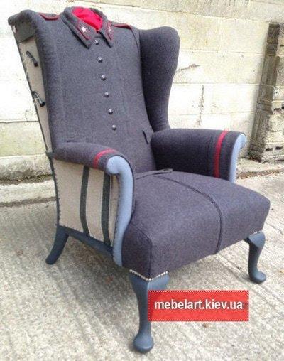 кресло в виде военной шинели