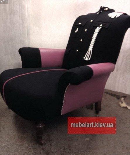 кресла в виде военной формы