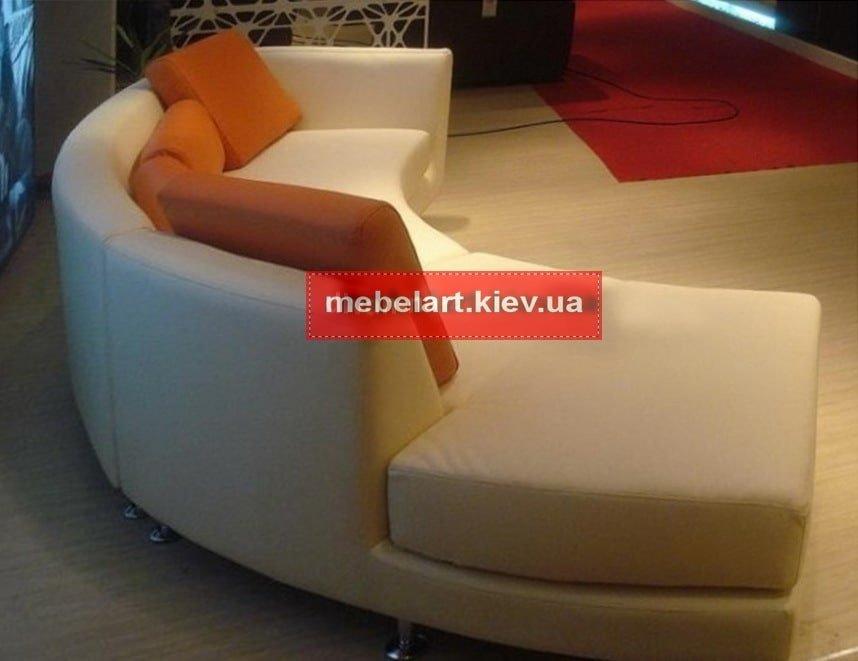 радиусный диван в прихожую