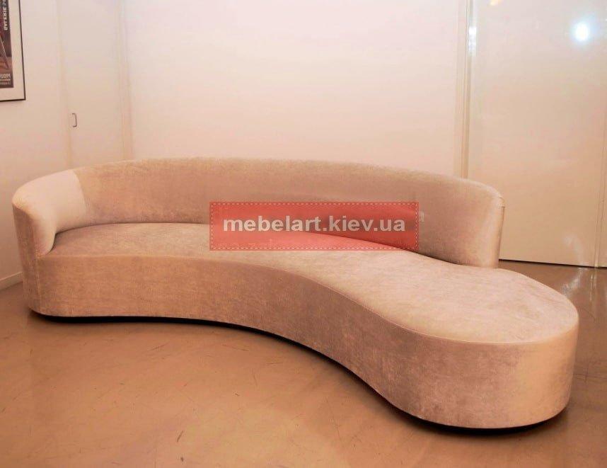 элитный радиусный диван  в гостиную