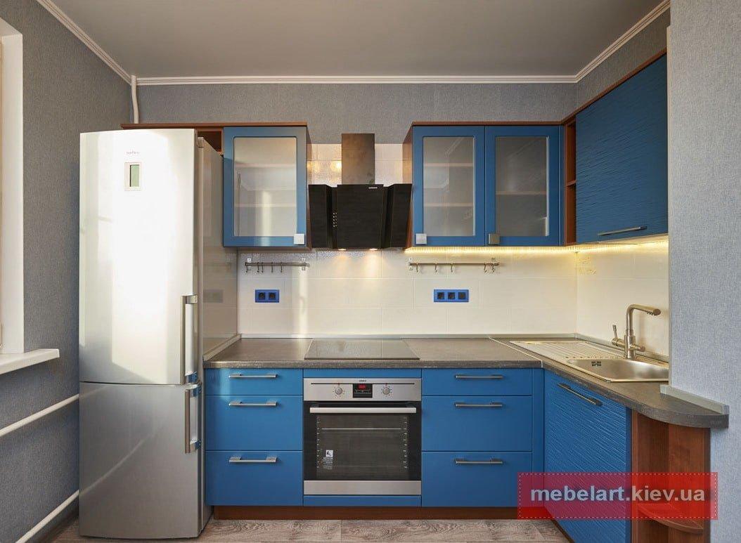 кухня синего цвевта