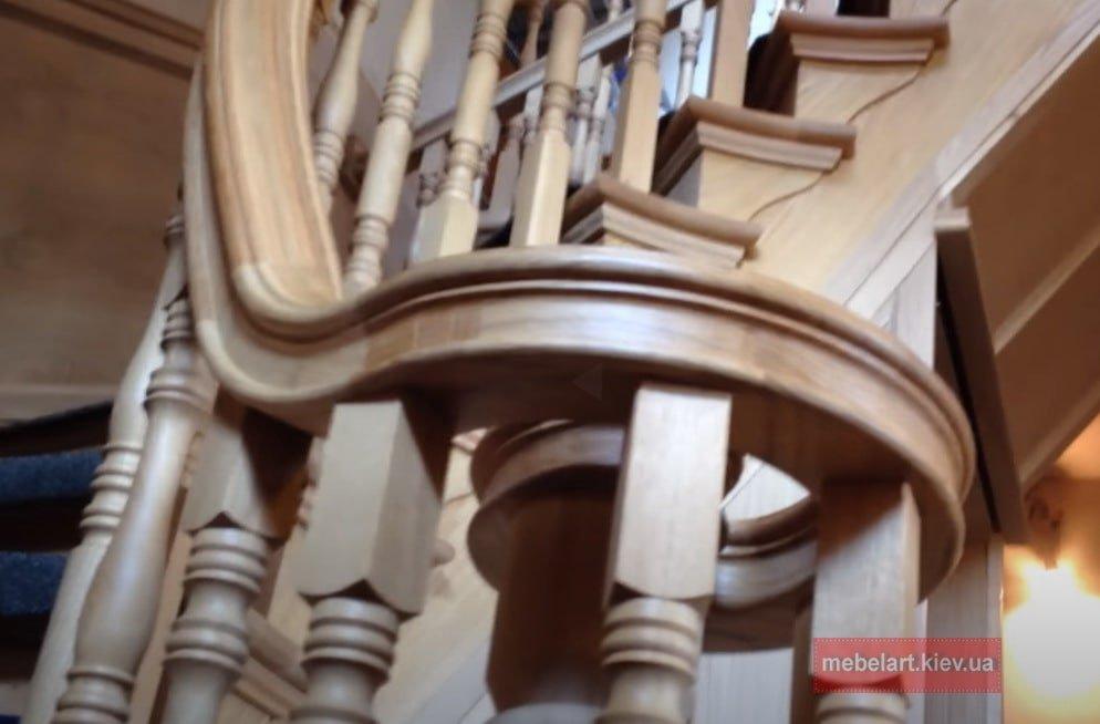 где заказать изготовление лестницы из дерева