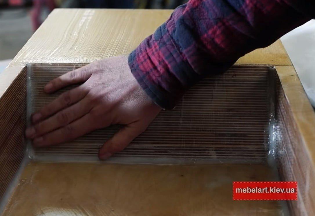 заказать изготовление мойки из массива ольхи