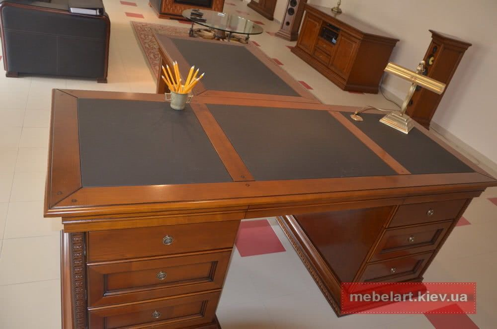 деревянный офисный стол