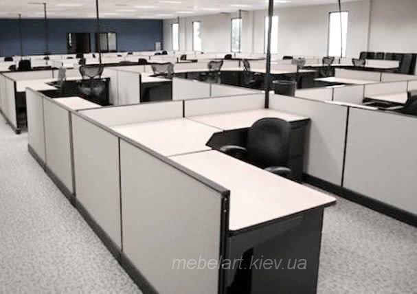 офисные столы с перегородкой