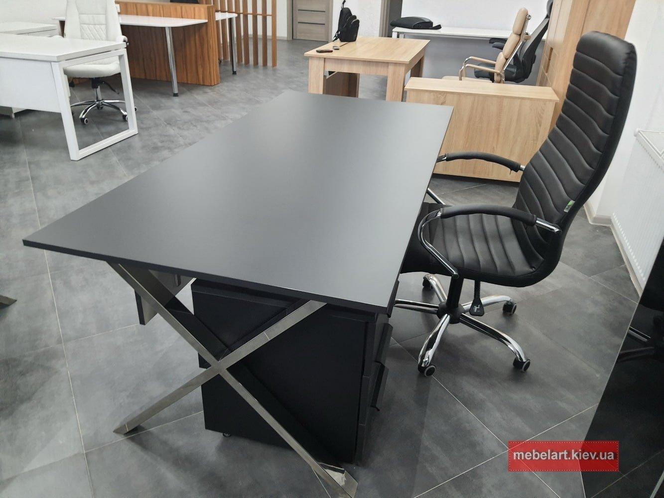 офисной стол для руководителя