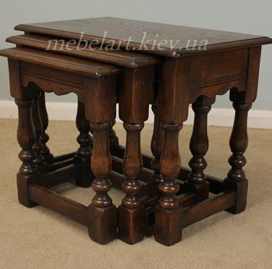 три столика