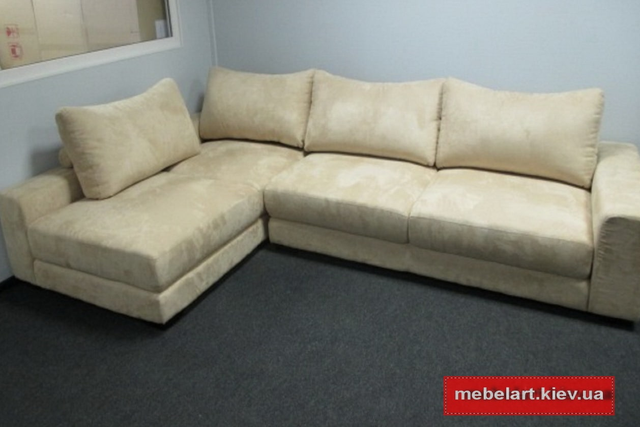 бежевый угловой диван