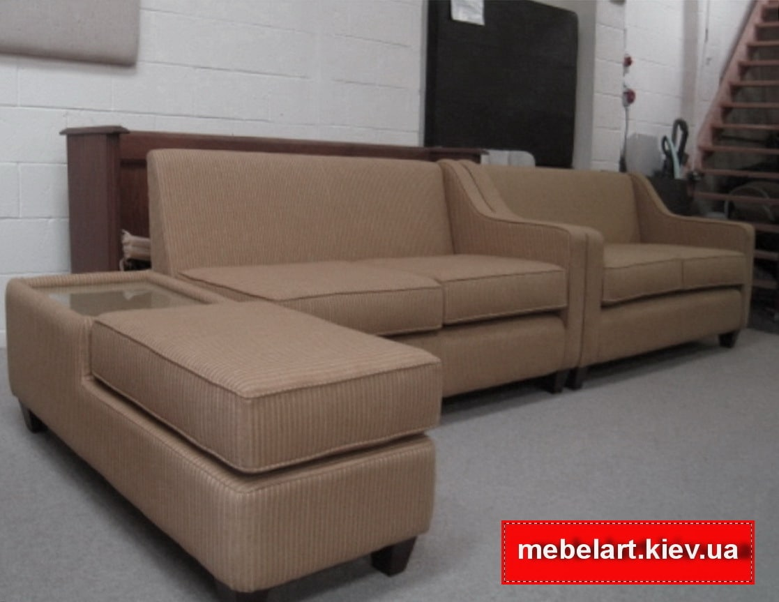 модульный угловой диван со столиком