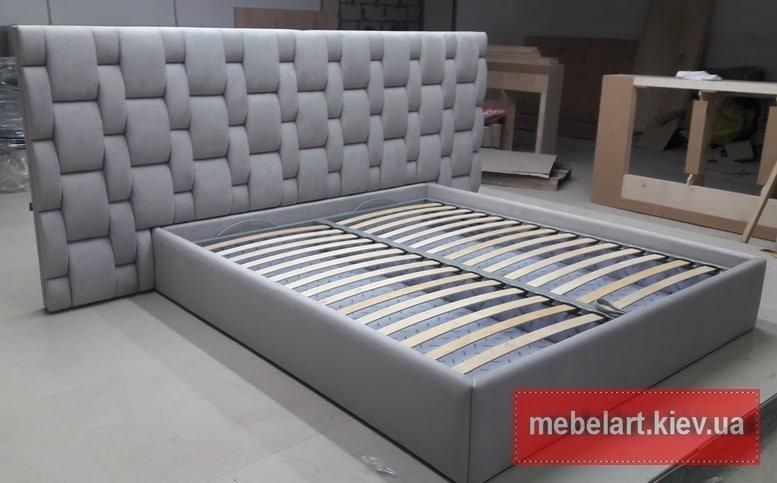 кровать с изголовьем плетенка
