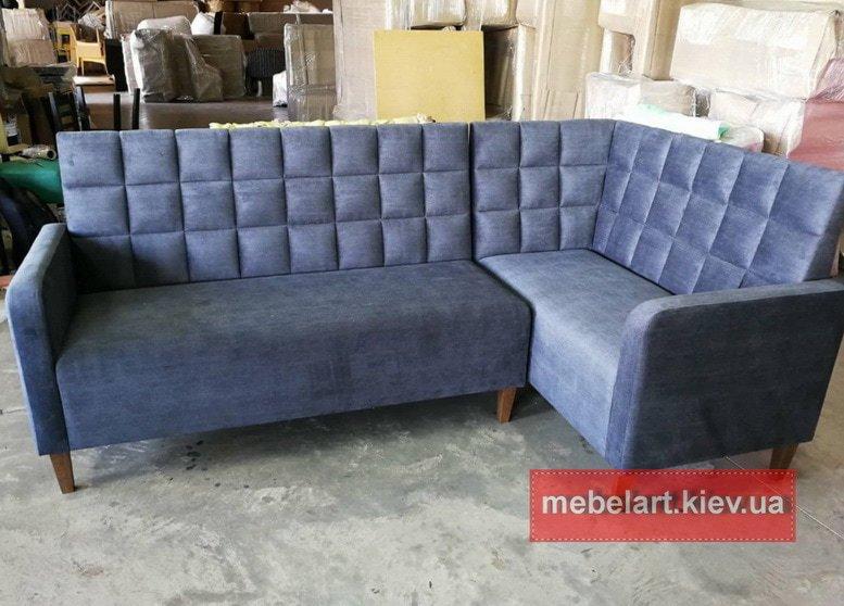 голубой диван угловой в кафе