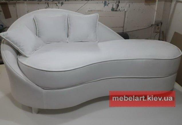 качественные  белый диваны прямые
