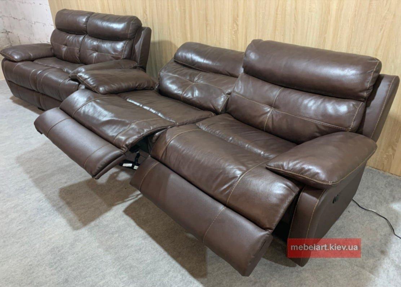 коричнеый диван с реклайнером на заказ