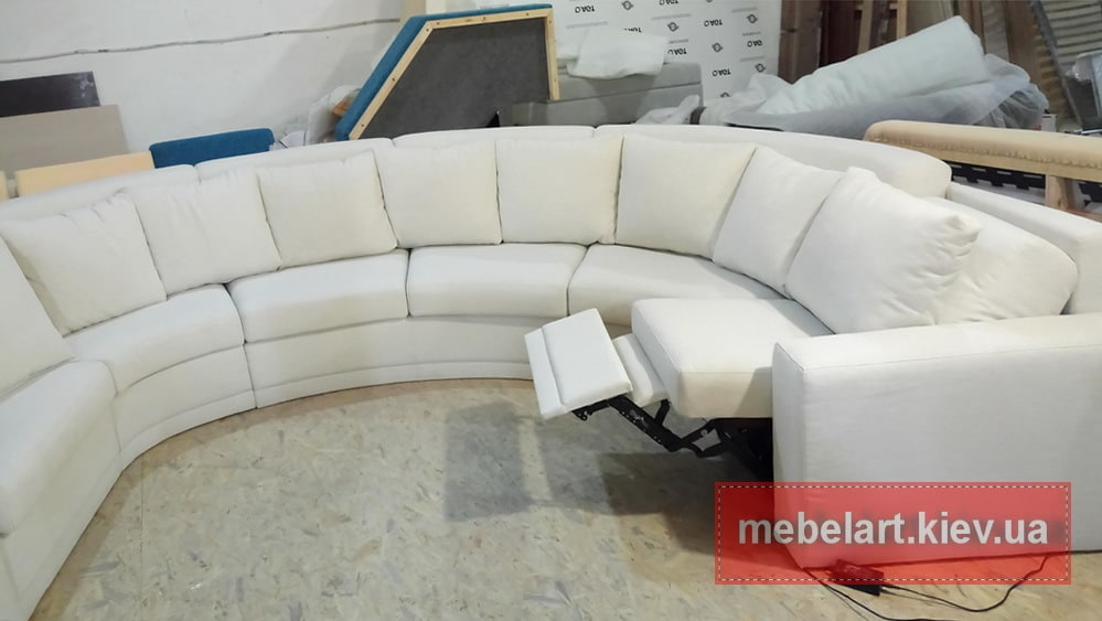выбрать белый диван