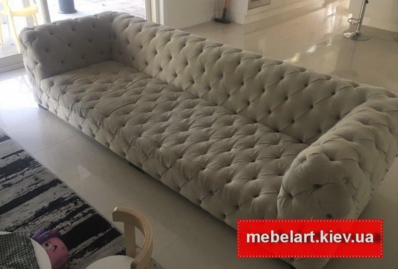 диван с перетяжками