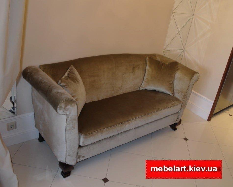 выбрать прямой диван