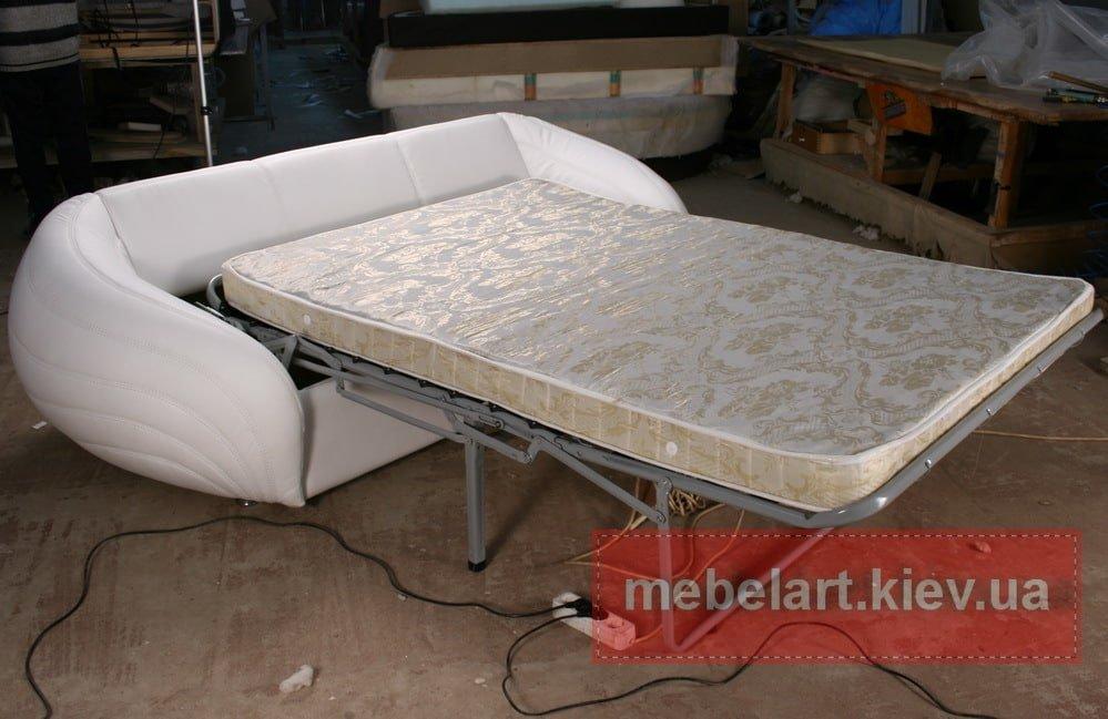 авторский диван со спальным местом