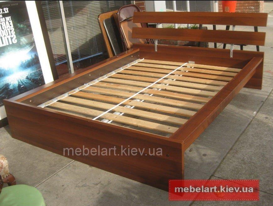 дерев'яне ліжко на замовлення