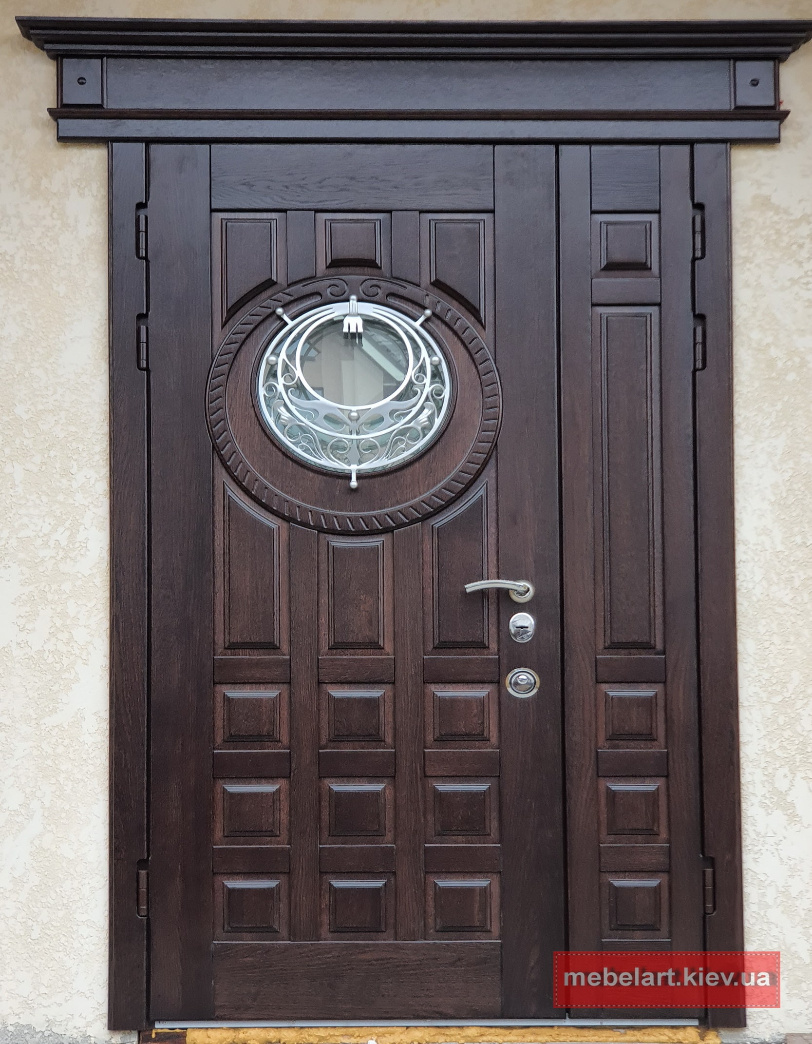 металлическая дверь обшитая деревом