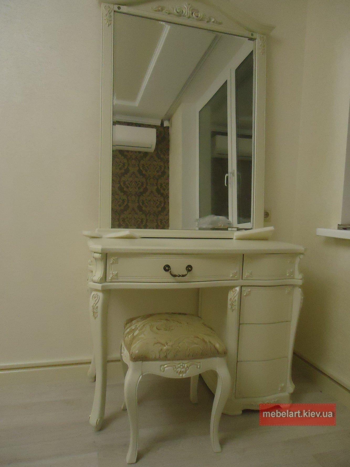 мебель для женщин из дерева