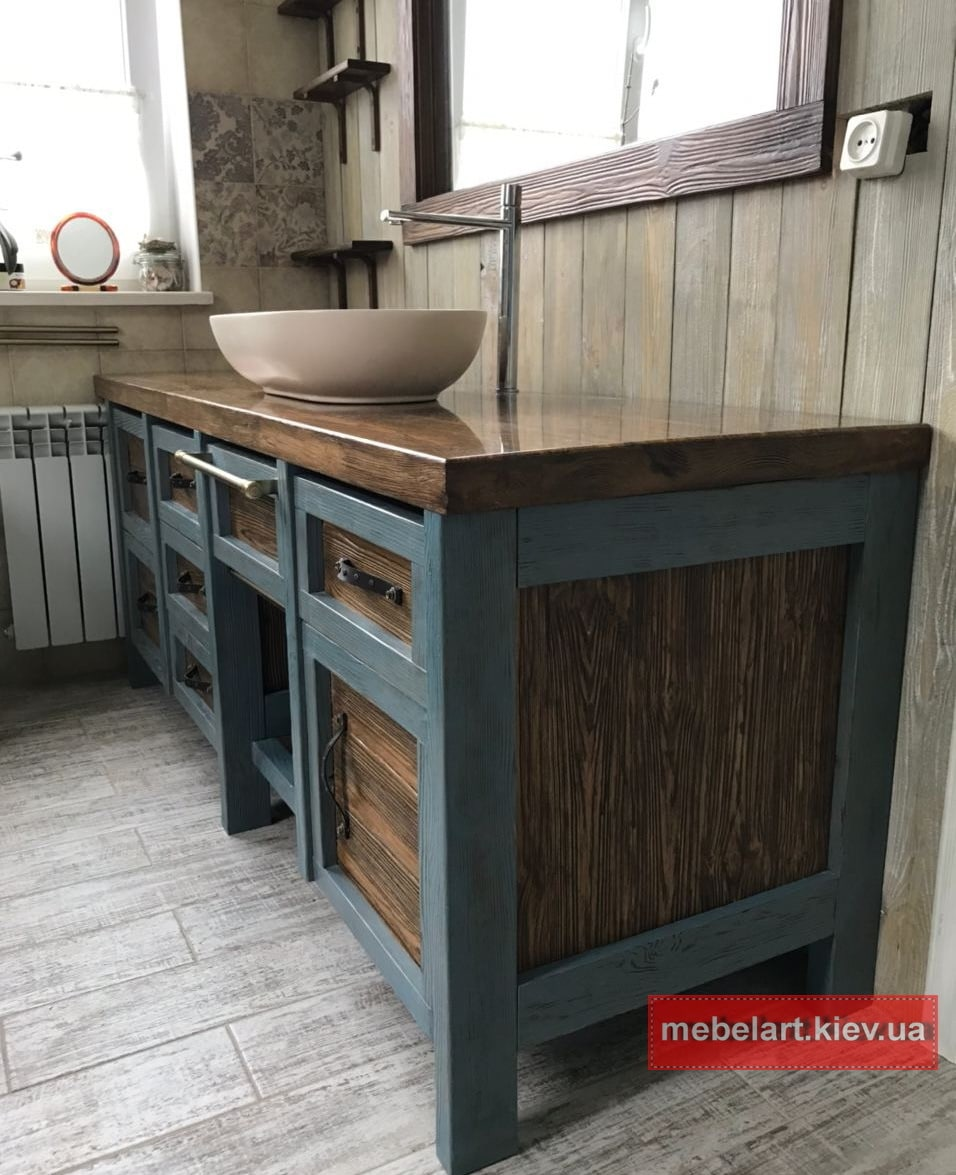 деревянная тумба с деревянной столешницей в ванную