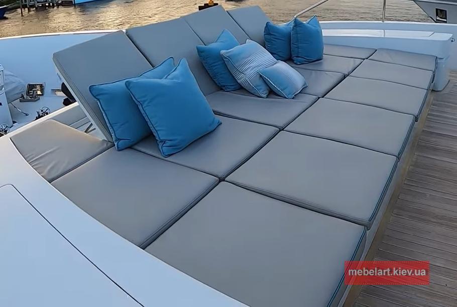 мягкая мебель для верхней палубы катера