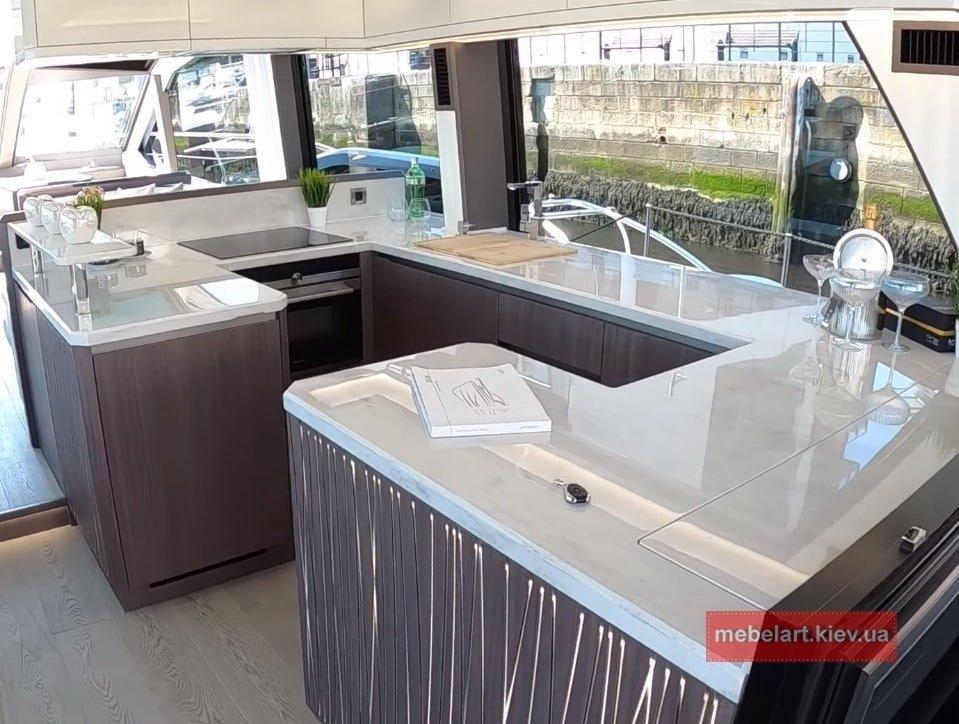 кухня и диваны для катеров