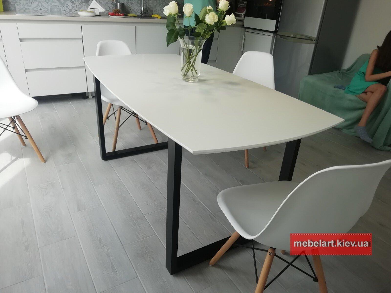 белый кухоннй стол