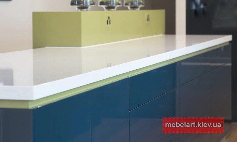 голубой цвет дизайнерской кухни Обухов