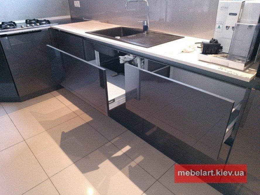 дизайнерская кухня в современнм стиле