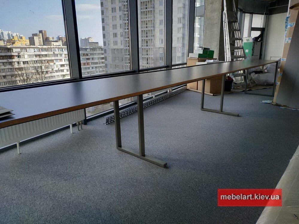Большой стол для переговоров Москва