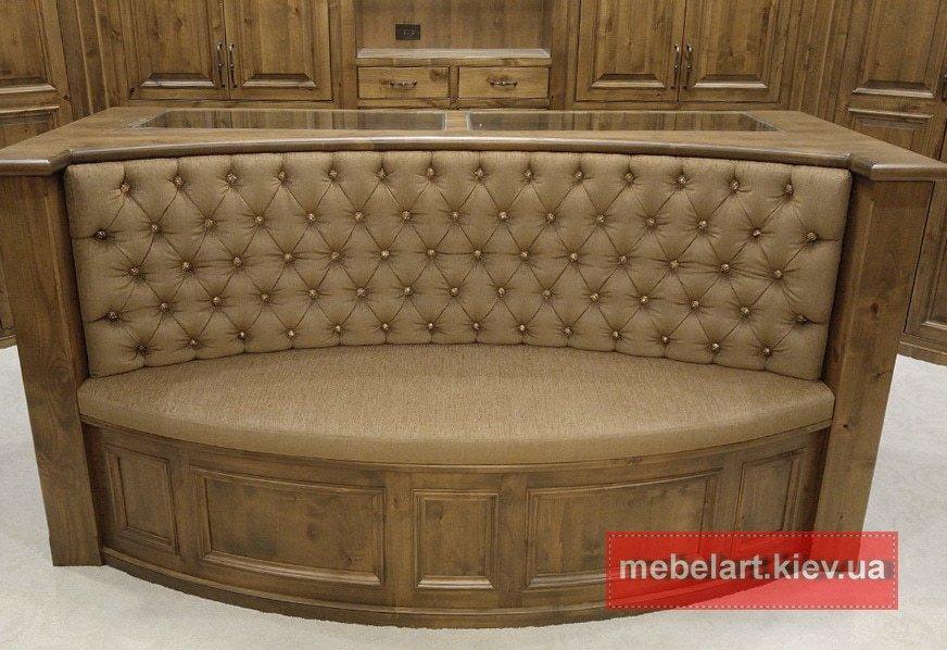 прямой диван с деревянным каркасом на заказ