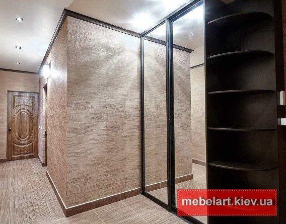 двухдверный Встроенные  авторский шкаф с раздвижными дверями на заказ Киев