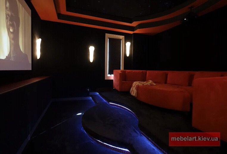 радиусный диван для кинотеатра