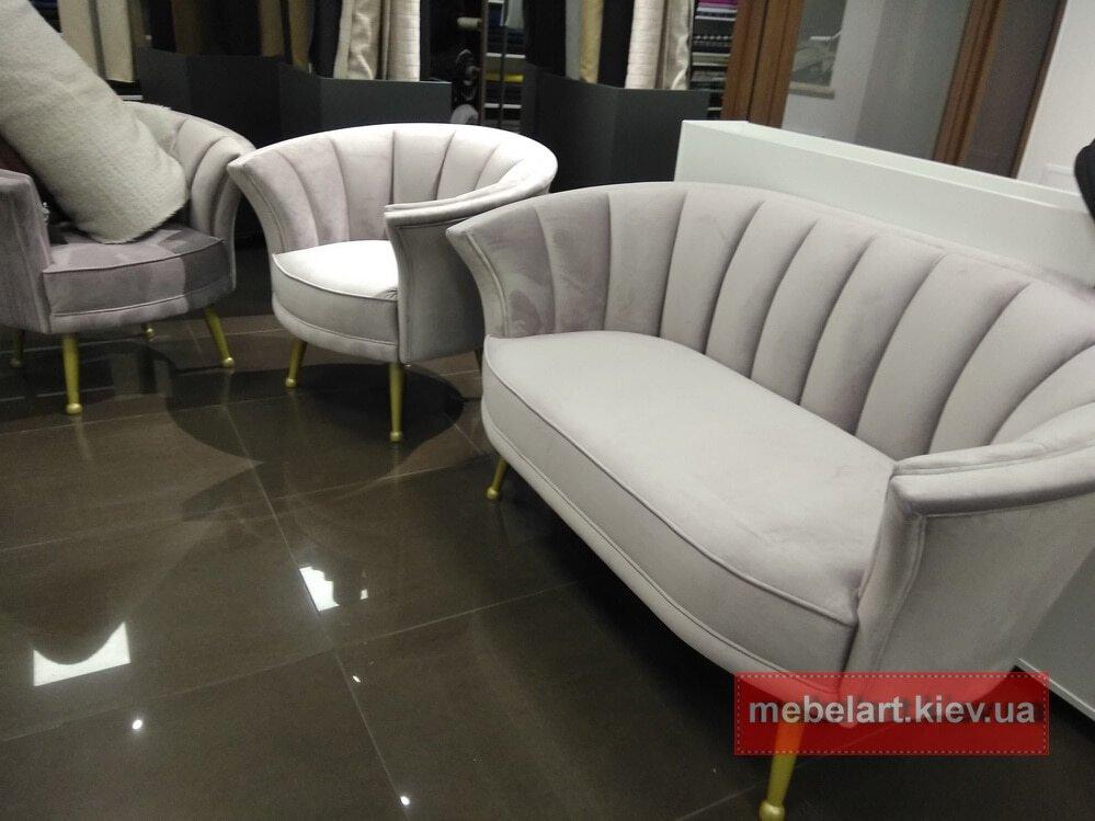 классическое заказное кресло и диван на заказ
