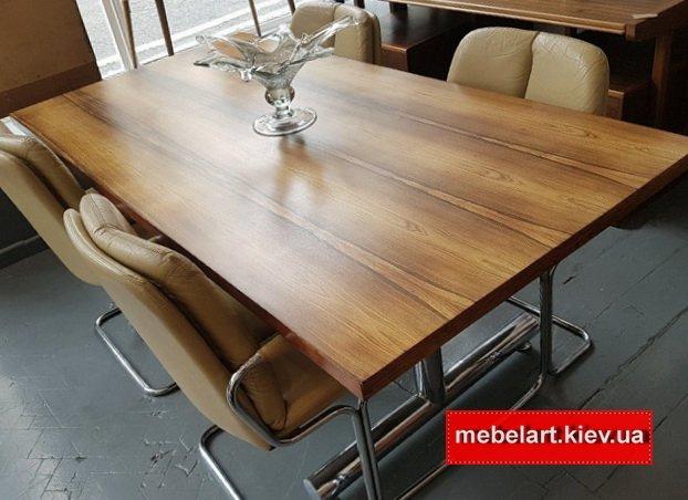 широкий деревянный стол в офис на заказ в Киеве