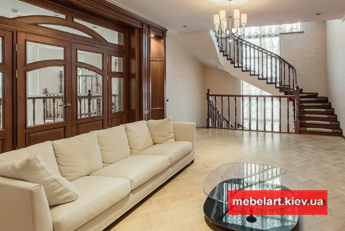 прямой диван  белый в гостиную по дзаказ