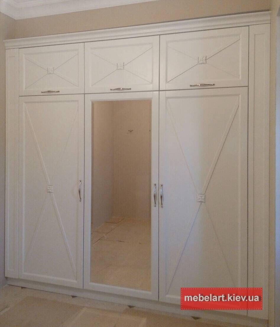 купить деревянный шкаф