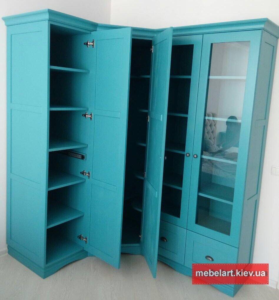 шкаф из массива дерева на заказ Вышгород