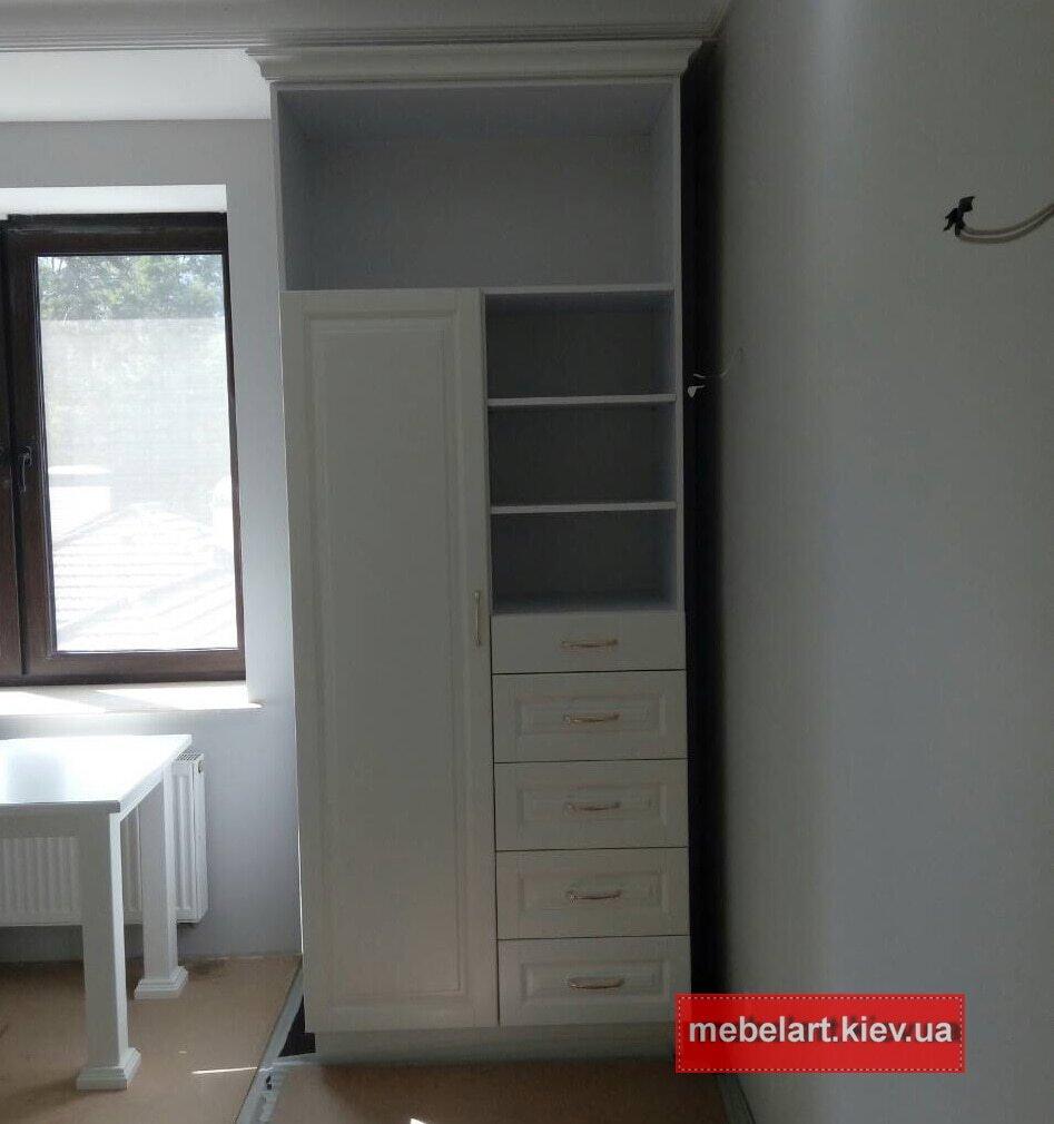 шкаф из массива дерева под заказ Киев