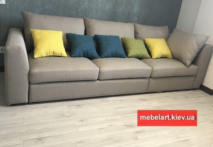 прямой диван на заказ серого цвета